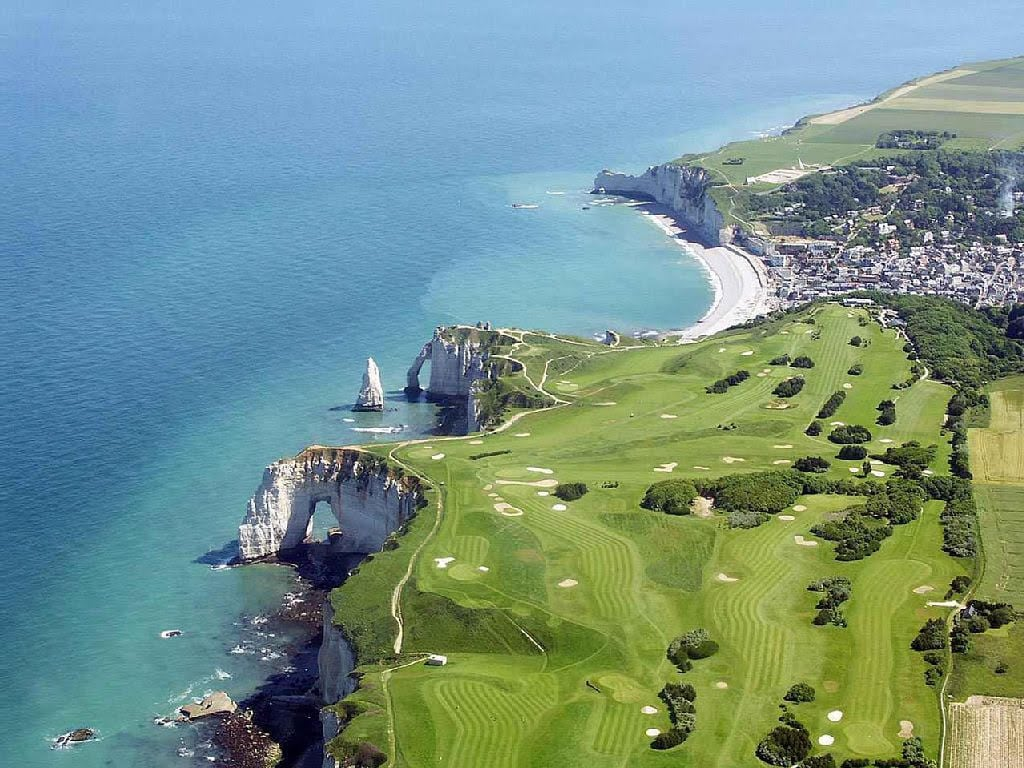 golf-Etretat-vu-du-ciel